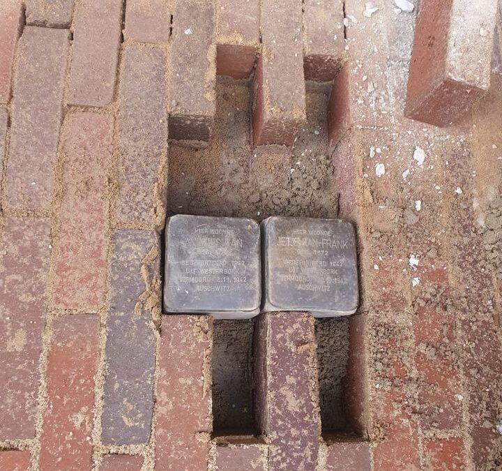 Stolpersteine zijn terug in de straten